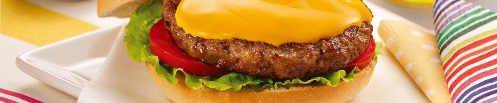 Hambúrguer na Grelha Recheado de Requeijão Culinário Catupiry® Sabor Cheddar