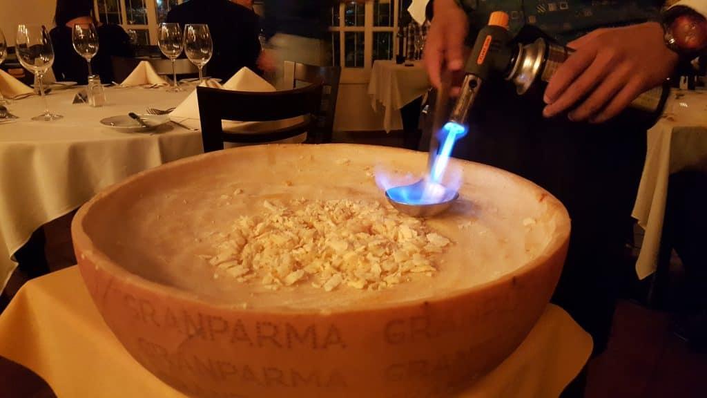 Massa no queijo tipo Grana Padano  Granparma 2